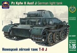 ARK35007 Немецкий легкий танк Т-II J